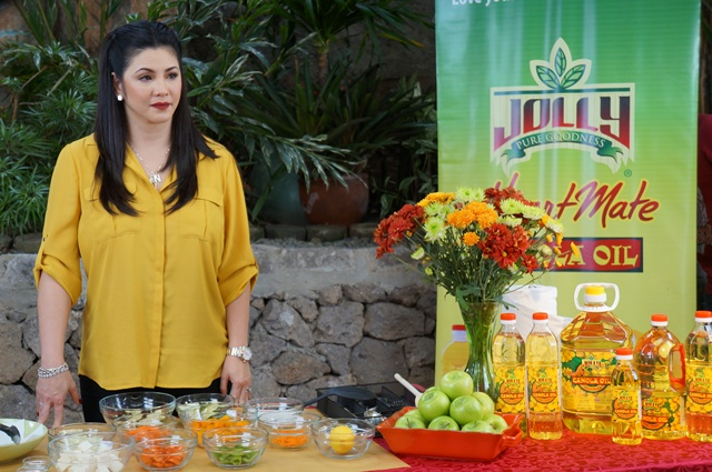 Catch Sarap Diva with Regine Velasquez-Alcasid on January 17 and 24 at 9:40 a.m. to 10:25 a.m. as she dishes out three, exciting dishes: Pamplina, a Spanish-influenced soup dish, and tasty Pork Steak with Mushroom Bits.