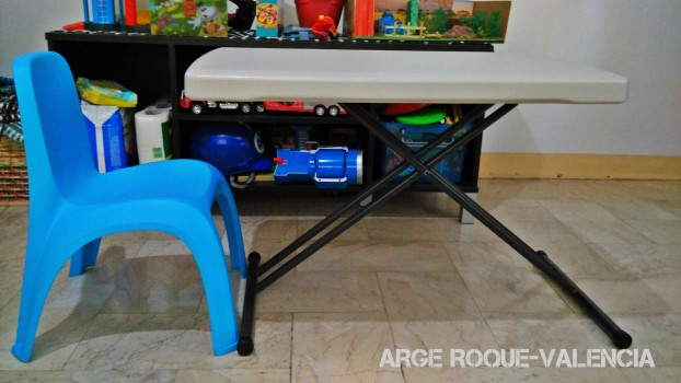 Lifetime Foldable Table and Keter Kids Blue Chair