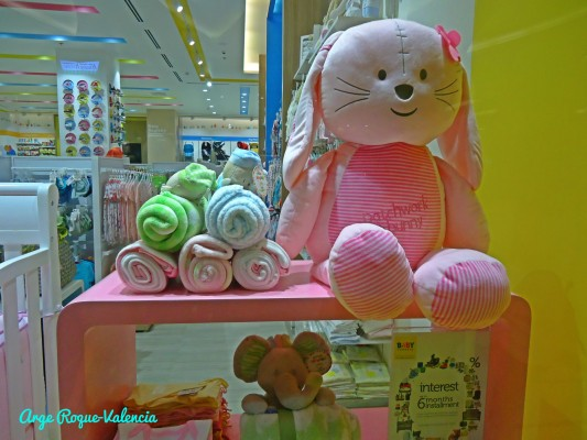 Baby Company - Adorable Displays from the Window